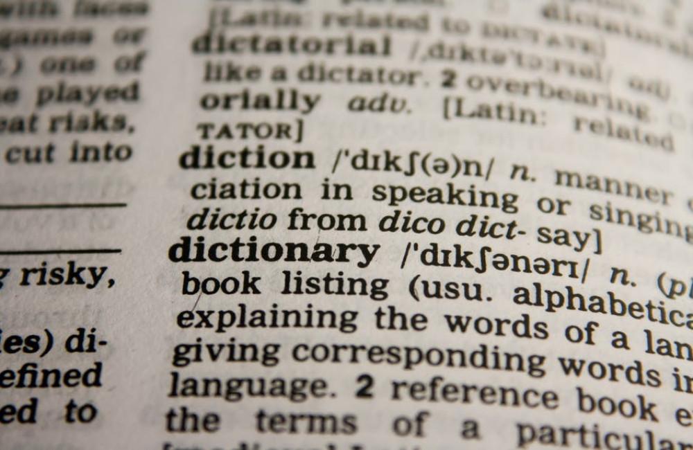Wat is een handige online hulp bij Scrabble of Wordfeud?